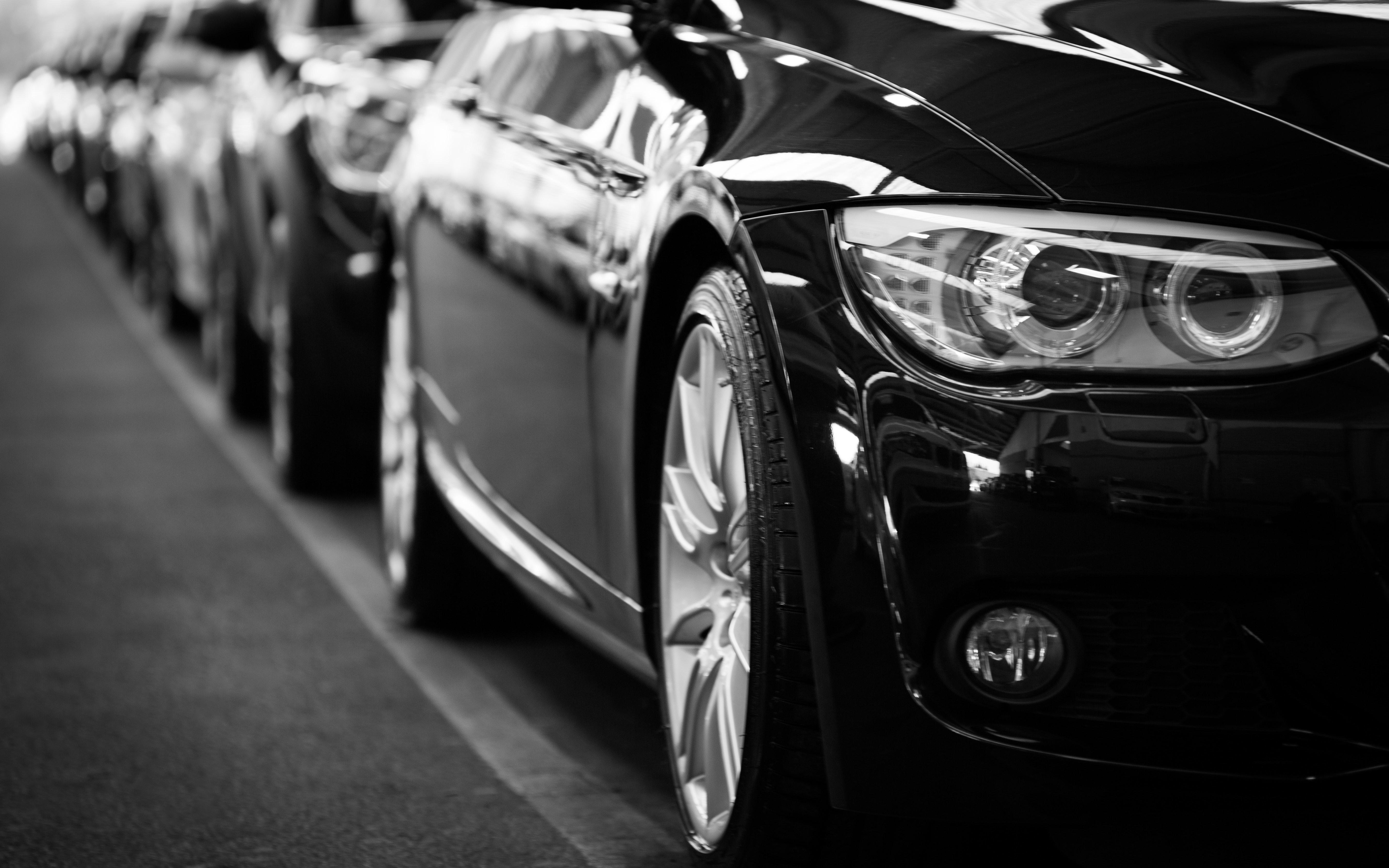 Autonvalmistajat markkinoivat sosiaalisen median kautta